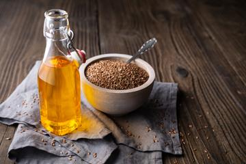 Чи ефективна лляна олія при закрепах?