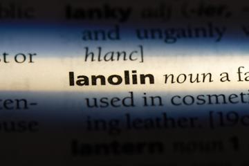 Для чего используют ланолин в косметике?