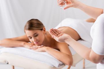 Кунжутное масло для тела: польза и применение