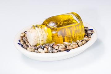 Олія рицинова, корисна тільки для кишечника?